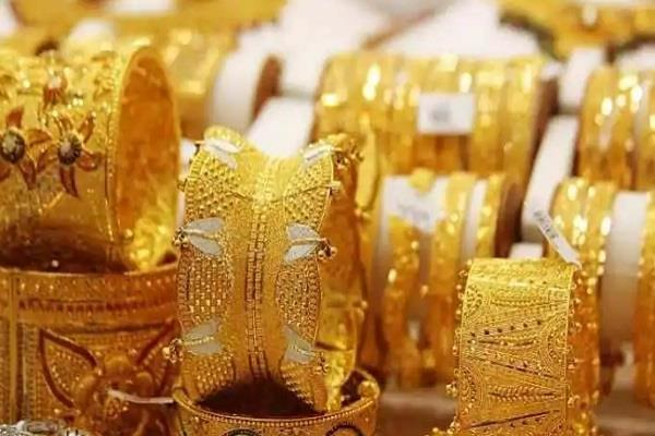 gold lost rs 672 silver fell by rs 5 781 know new rate