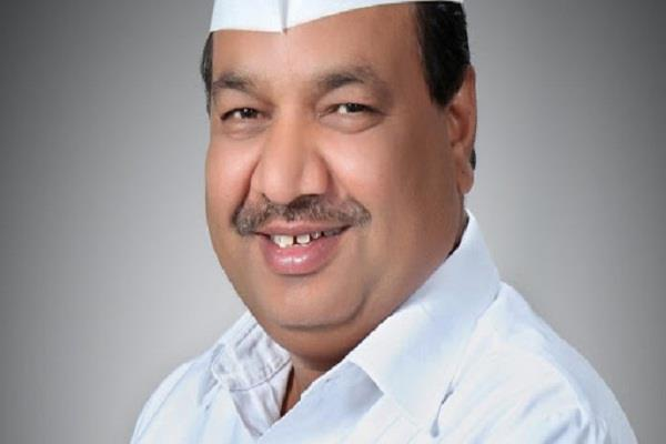 delhi assembly session aap mla suddenly resigns in the house know the reason
