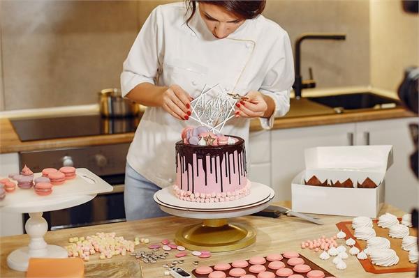 केक बेकिंग की 10 आइटम्स, Price के साथ देखिए आपको आसानी से मिलेंगी कहां?