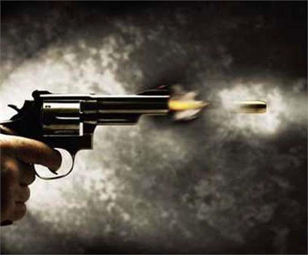 shot on two sides quarrel after a minor argument