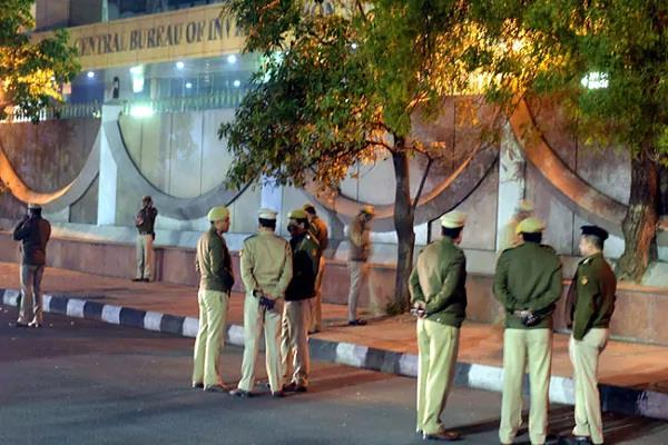 cbi raids  quality limited  targets in rs 1 400 crore fraud case