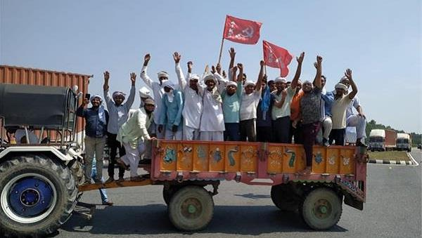 farmers took to the streets in protest roads jammed in haryana