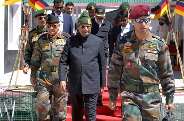 president ramnath kovind celebrate dussehra with soldiers in dras