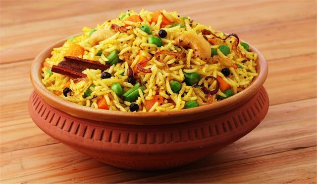 आज की रसोईः सिंपल नहीं, डिनर में चखे सतरंगी बिरयानी का स्वाद