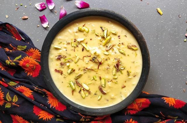 नवरात्रि स्पेशल: माता रानी के भोग में बनाएं साबूदाना रबड़ी