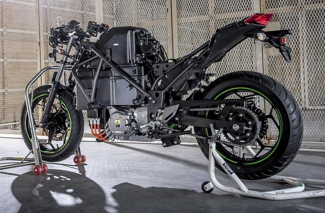 kawasaki to introduce electric and hybrid two wheelers by 2025