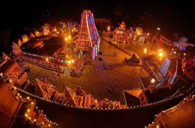 Navratri 2021: शारदीय नवरात्र के लिए सज गए मंदिर, पंडालों में गूंज रहे मां शेरोंवाली के जय-जयकारे