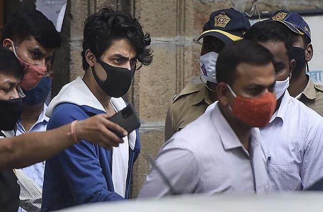 नहीं कम हो रही किंग खान के बेटे Aryan की मुश्किलें, कल तक टली सुनवाई