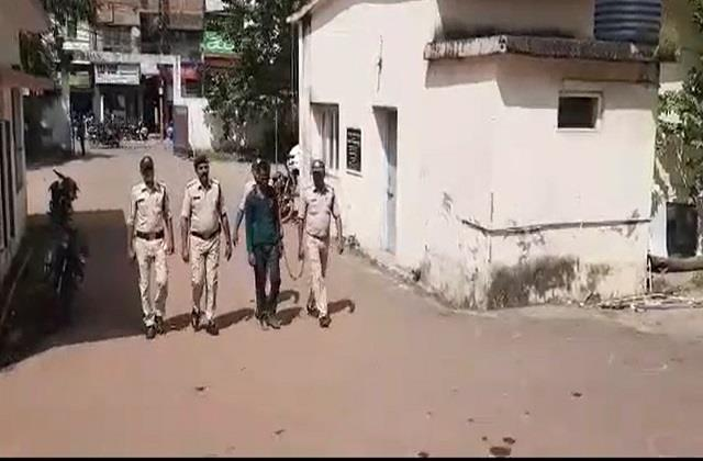 the absconding accused of triple murder arrested from indore