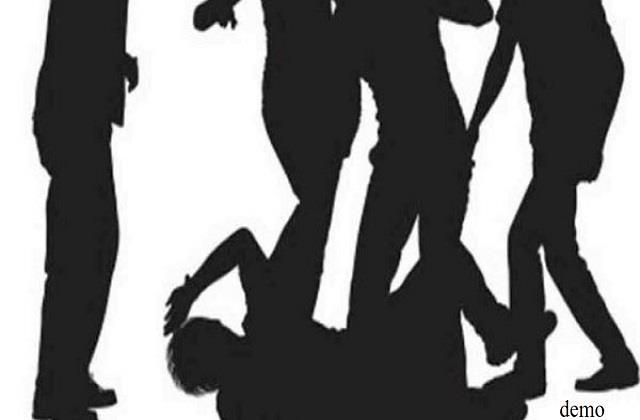 mob attacked railway station on odisha jharkhand border five injured