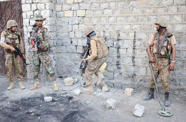 pakistani army killed five terrorists