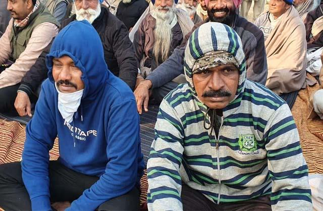 farmers held hostages to the company s employees