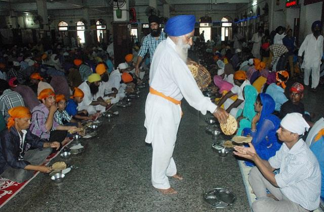 golden temple to soon offer steaming hot langar to devotees