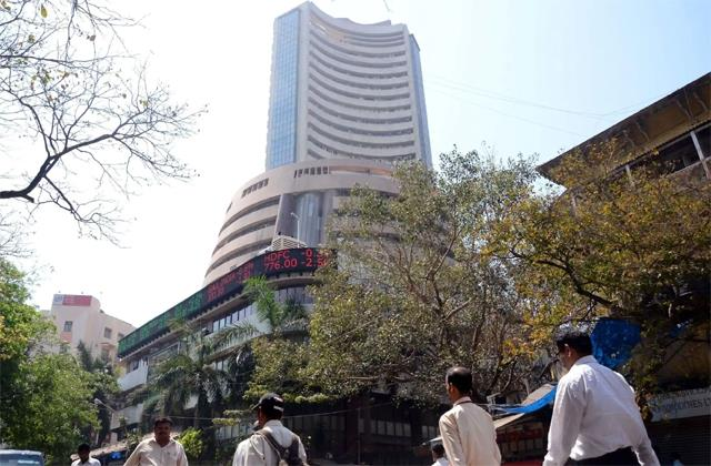 market falls 151 points reliance shares slips 3