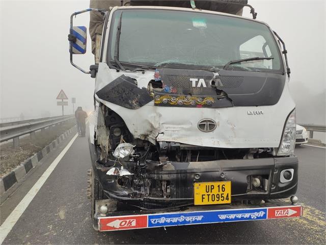 karnal national highway 5 trucks clash