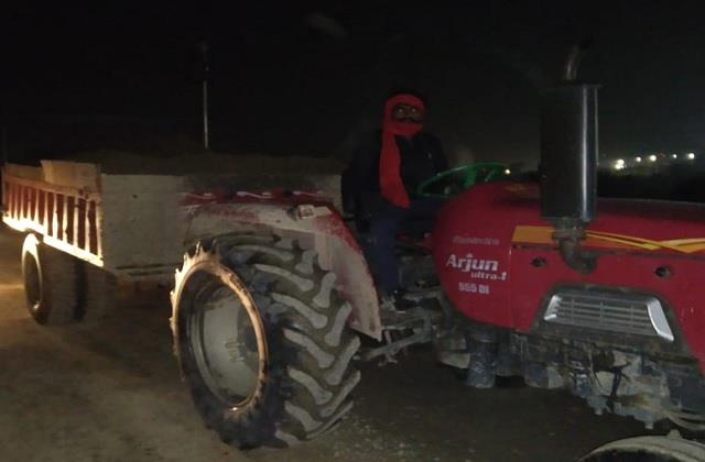 five tractor engaged in illegal mining seized fine recovered