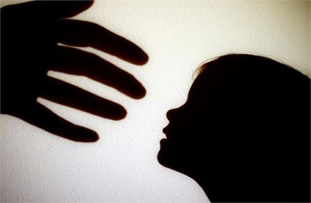 rape of a 7 year old girl in up found unconscious in the field