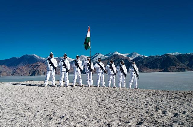 itbp personnel celebrating republic day