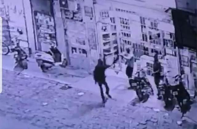 robbery at wine shop crime captured in cctv footage