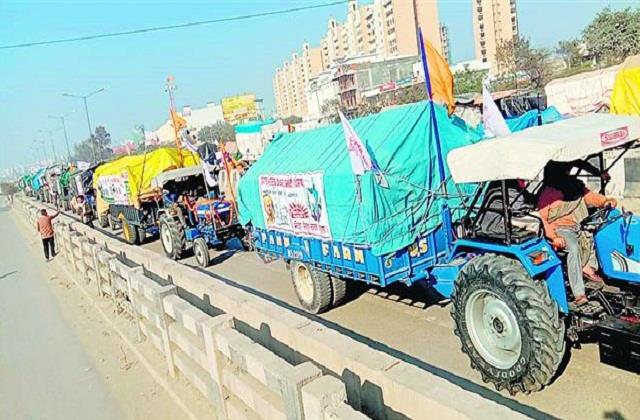 tractor ready for parade queues on horoscope border