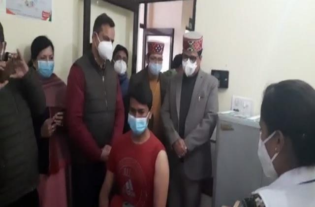 vaccination campaign started development in palampur gets first vaccine
