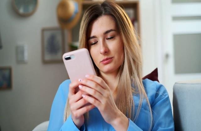 Dating Apps का बदलता रूप, अब रिश्तों पर भी असर डाल रही राजनीति