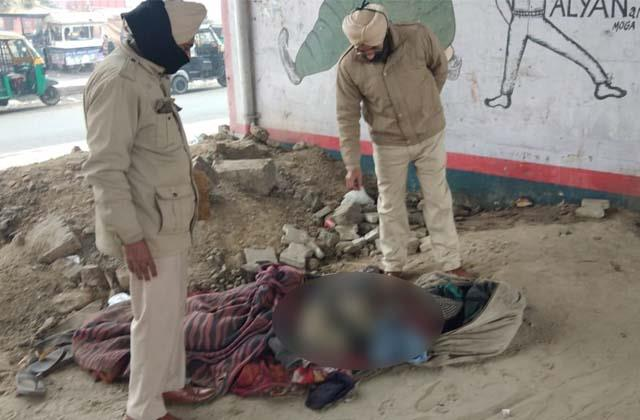 dead body of unknown person found from pathankot chowk