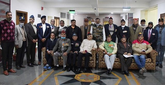 ex servicemen appealed to farmers