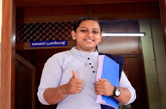 सफलता की ओर बेटियां! देश की सबसे युवा पंचायत अध्यक्ष बनीं रेशमा, महज 21 साल की उम्र में रचा इतिहास