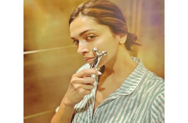 Beauty Tips: यूं इस्तेमाल करेंगी Facial Roller तो स्किन रहेगी झुर्रियां फ्री