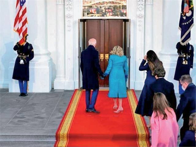 bidens left stuck outside white house on inauguration day