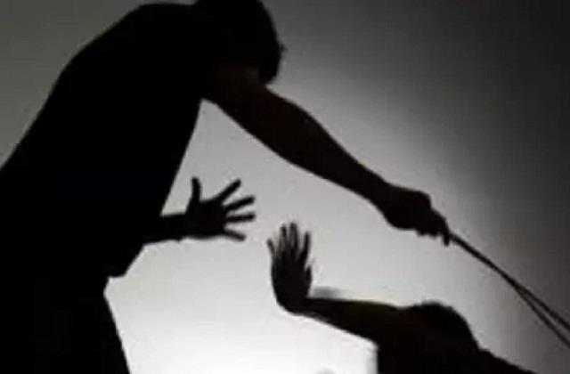 clash between two prisoner in court complex