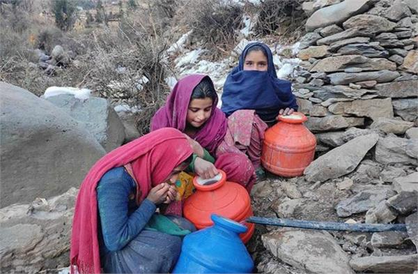 villagers themselves are adding money to lay pipelines in doda