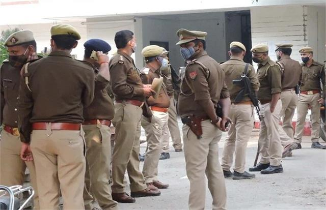 amethi lawyers strike continues administration deploys policemen in court