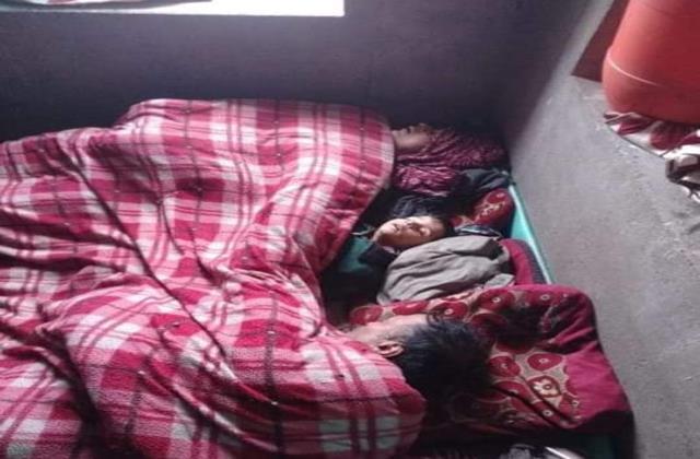 couple and their son found dead in baramula kashmir