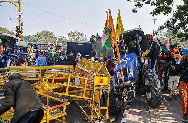 national news punjab kesari farmers protect tractor parade
