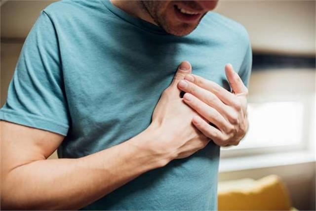 63 year old prisoner dies after complaining of chest pain
