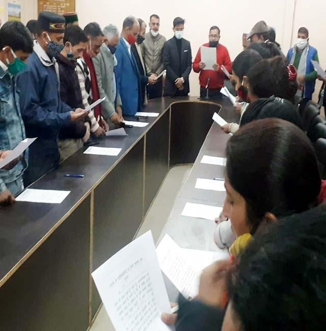 in mashobra sdm administered oath to newly elected heads and sub principals