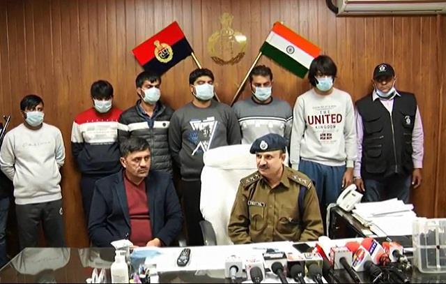 6 miscreants of tota gang arrested