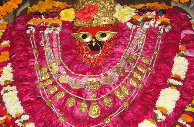 millions of devotees attended vindhyavasini s court prayed