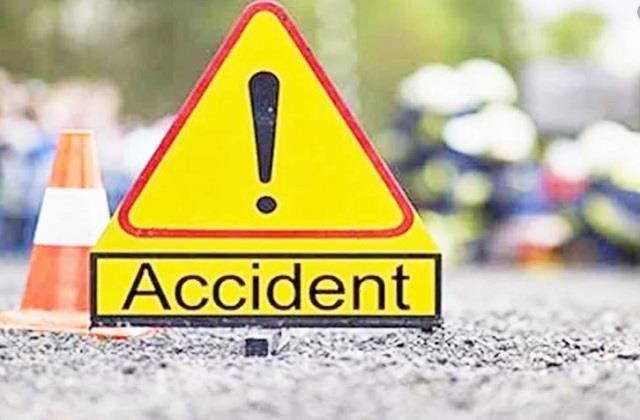 one killed 3 others injured in a collision between 2 vehicles in khagaria