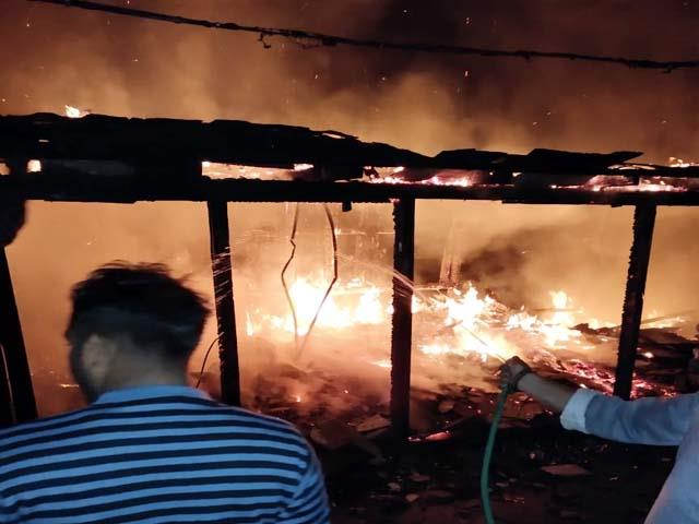 fire in house in mandi