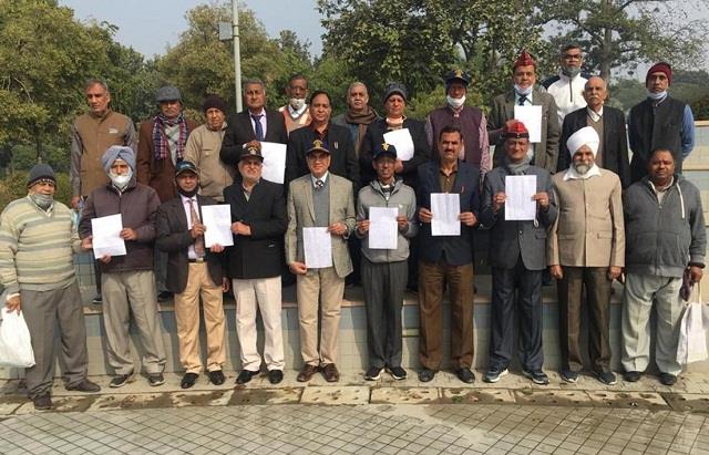 ex servicemen appeal to agitating farmers postpone tractor march