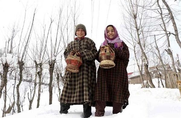 jammu and kashmir srinagar residents get relief from rise in temperature
