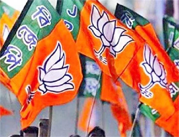 pressure on bjp candidate to withdraw nomination husband hangs up