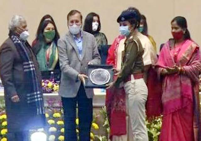 garima surya gets female covid warrior real hero award
