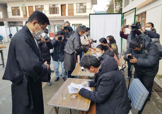 voting begins for the first phase of the exiled tibet government