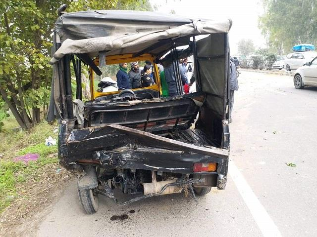 7 injured 2 year old girl dead in auto car collision