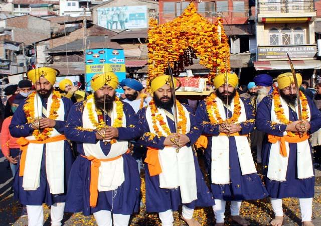 nagar kirtan taken out on prakash utsav of guru gobind singh
