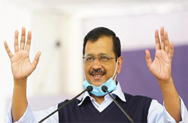 kejriwal stunned by aap s victory in surat will do road show on february 26